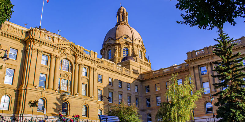 Alberta taxpayers on the hook for growing government debt interest payments