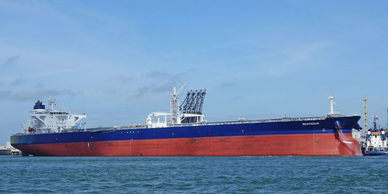 Oil opponents target tankers despite sparkling safety record