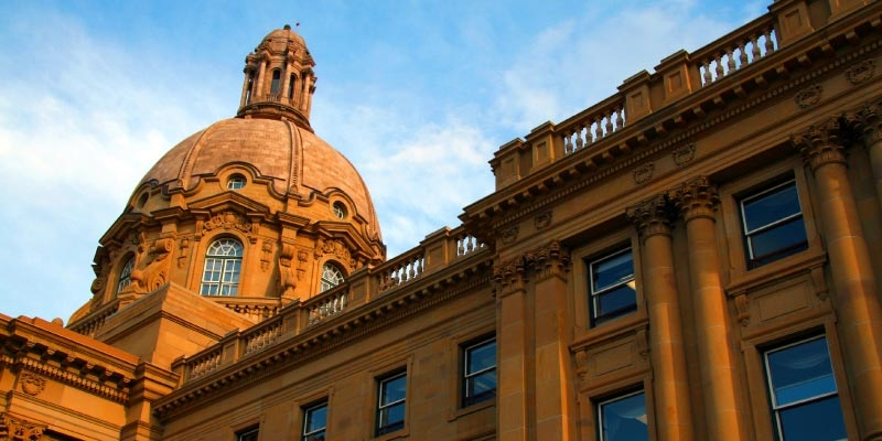 What Happens If Alberta Returns to the Flat Tax System?